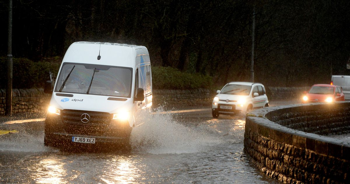 Met Office issues 12-hour weather warning for torrential rain and thunder for Leeds
