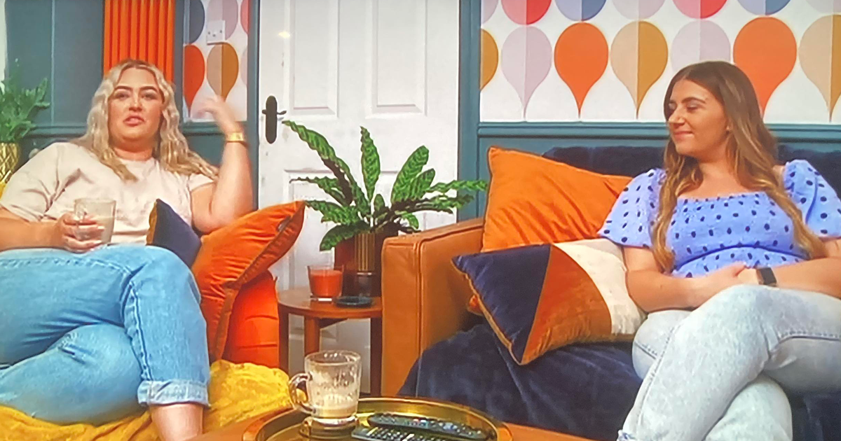 Gogglebox viewers defend Ellie and Izzi Warner after they're labelled 'total dullards'