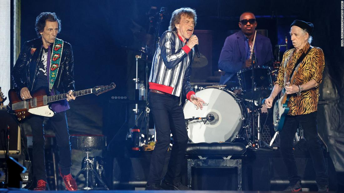 """Rolling Stones phase out popular hit """"Brown Sugar"""""""