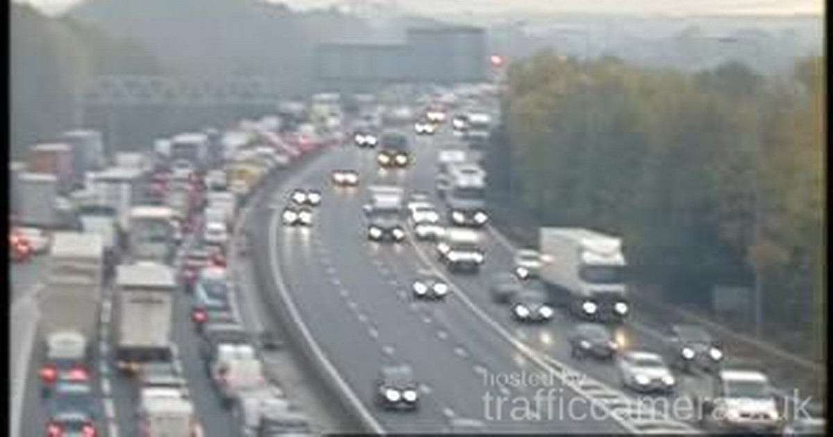 Traffic on the M1 Southbound following the crash